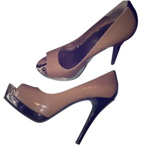 Jessica Simpson Khaki & Black Platforms