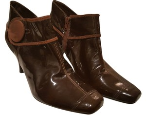 Gianni Bini Two Tone Brown Boots