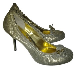 Hale Bob gold Pumps