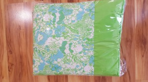 "Lilly Pulitzer Lilly Pulitzer Bedding Comforter Picnic Beach Blanket Camping Travel 55"" X55"""