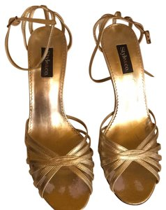 Style & Co Gold Pumps