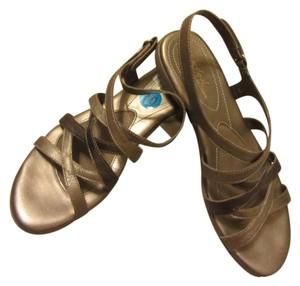 Naturalizer Wearing Nothing How Feels Springy Cushion Sole Soft Gentle Sexy Get Compliments metalic tan brown Sandals