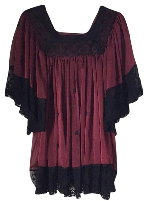 Item - Burgundy and Black Tunic Size 8 (M)