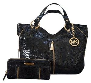 Michael Kors Moxley Satchel Gold Hardware Wallet Included Tote in Black