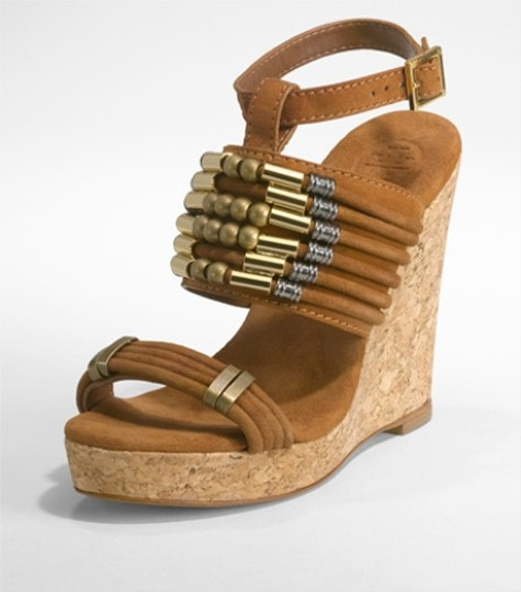Preload https://item1.tradesy.com/images/tory-burch-brown-almond-tricia-sandal-wedges-size-us-10-regular-m-b-1495645-0-0.jpg?width=440&height=440