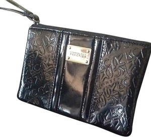 Kenneth Cole Reaction Wristlet in Black