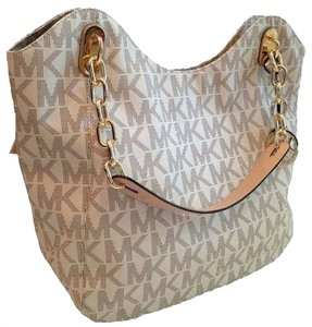 Michael Kors Lilly Large Signature Tote in Vanilla