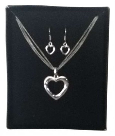 Unknown Silver Heart Necklace & Earring set