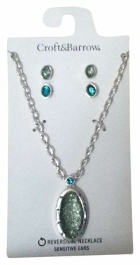 Preload https://img-static.tradesy.com/item/149588/croft-and-barrow-green-multi-silver-reversible-necklace-and-earring-set-0-0-540-540.jpg