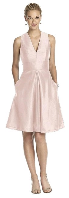 Item - Pearl Pink D610 Mid-length Formal Dress Size 8 (M)