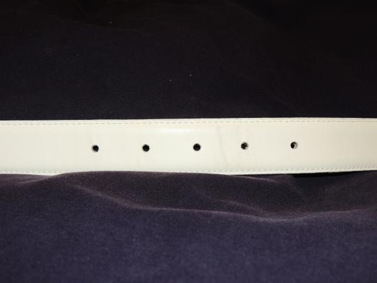 Other Honors cream colored leather belt with gold buckle Image 5