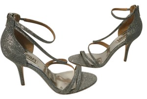 Badgley Mischka Leather Soles Back Zippers Silver glittery fabric Sandals