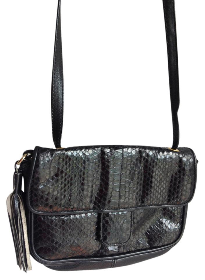 e53dfc105de5 Lord   Taylor Vintage Leather Python Snakeskin Watersnake Cobra Snakeskin  Genuine Leather Shoulder Tassel Cross Body ...