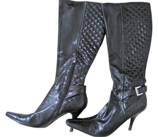 Preload https://item2.tradesy.com/images/guess-black-boots-1496511-0-0.jpg?width=440&height=440