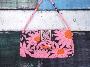 Vera Bradley Knot Just Loves Me Daisy Purse Pink, Blue Clutch