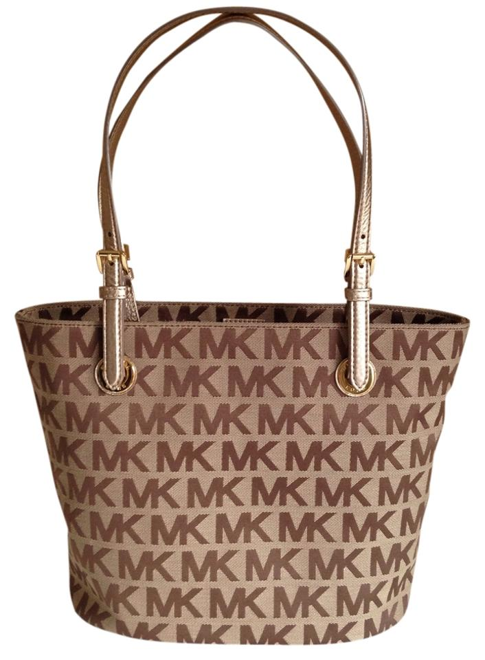 3ad85f22395c14 Michael Kors New Jet Set Item Medium Mk Signature Beige/Ebony/Gold Jacquard  Tote Shoulder Bag