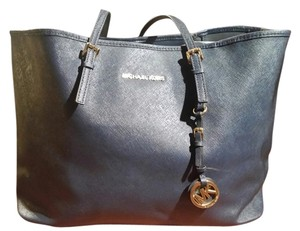 LABOR DAY SALE ENDS TONIGHT!!! Michael Kors Travel Tote in Navy
