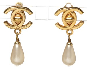 Chanel Chanel Gold CC Pearl Drop 96P Clip On Earrings