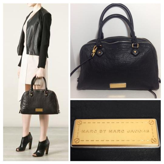 Preload https://item4.tradesy.com/images/marc-by-marc-jacobs-washed-up-lauren-black-leather-satchel-1497353-0-0.jpg?width=440&height=440