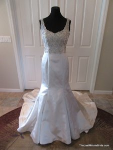 Justin Alexander Pearl/Silver Satin 8739 Formal Wedding Dress Size 6 (S)