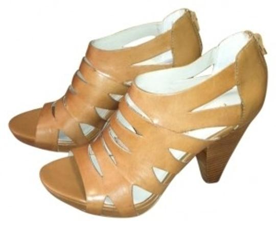 Franco Sarto Med brown Platforms