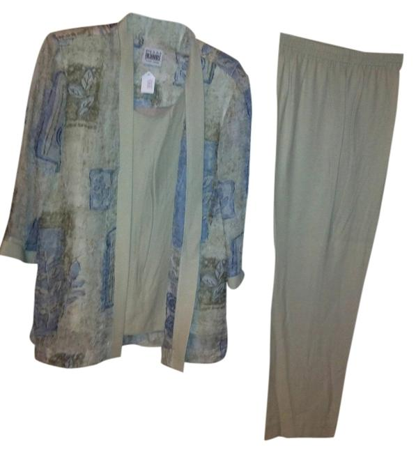 Preload https://item3.tradesy.com/images/r-and-m-richards-multicolor-casual-pant-suit-size-10-m-1497882-0-0.jpg?width=400&height=650