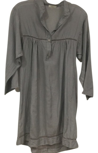 Preload https://item2.tradesy.com/images/gray-tunic-size-10-m-14978926-0-1.jpg?width=400&height=650