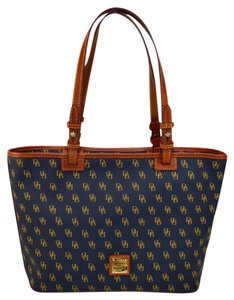 Dooney & Bourke Gretta Small Leisure Shopper Tote in NAVY