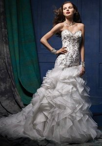 Alfred Angelo 879 Wedding Dress