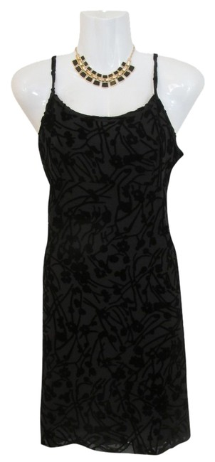 Preload https://item4.tradesy.com/images/new-york-and-company-black-velvet-floral-short-cocktail-dress-size-4-s-1498303-0-0.jpg?width=400&height=650