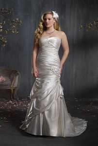 Alfred Angelo 2347w Wedding Dress
