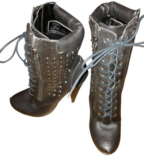Preload https://img-static.tradesy.com/item/149858/toi-et-moi-black-leather-studded-lace-up-bootsbooties-size-us-75-0-0-540-540.jpg