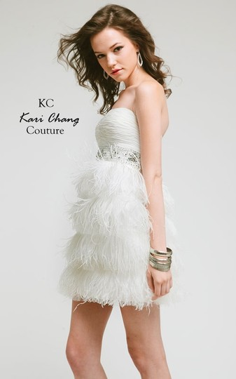 Kari Chang Couture White Ostrich Feather Kc14216 Destination Wedding Dress Size 4 (S)