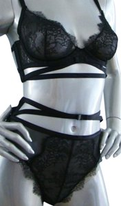 Victoria's Secret NWT Set Very Sexy Limited Edition 32D/M