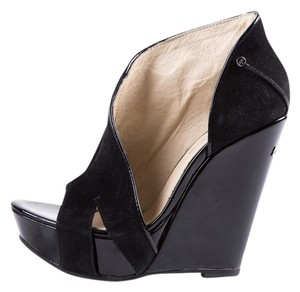 CoSTUME NATIONAL Black Wedges