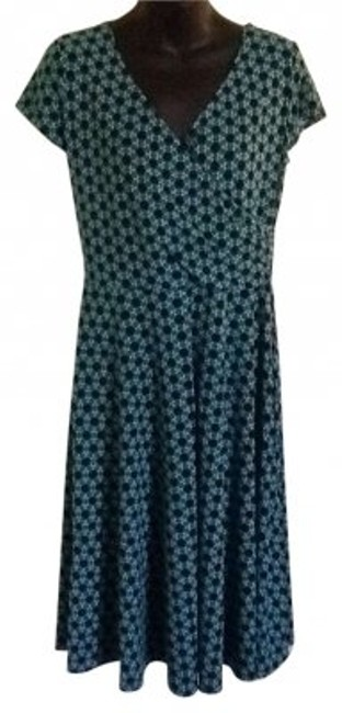 Preload https://item5.tradesy.com/images/new-york-and-company-green-and-blue-companydress-knee-length-workoffice-dress-size-12-l-149909-0-0.jpg?width=400&height=650