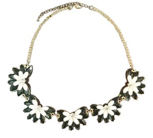 Mango Floral Black and White Necklace with Crystals