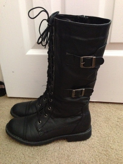 Unknown black Boots