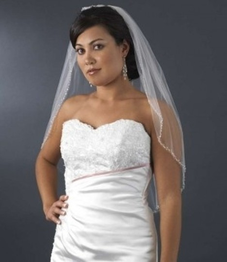 Elegance by Carbonneau White Medium Beaded Edge Elbow Length Bridal Veil