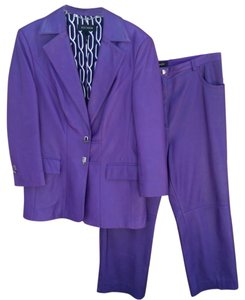 Escada Leather pant suit set