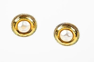 Chanel Vintage Chanel Gold Tone Hammered Faux Pearl Circle Clip On Button Earrings