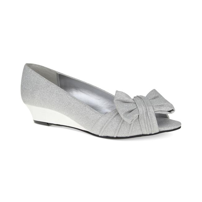 Item - Silver Pumps Size US 10 Regular (M, B)