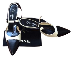 Chanel Classic Slingback Black/White Mules