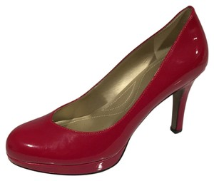 Tahari Cc Skye Calvin Klein Red Pumps
