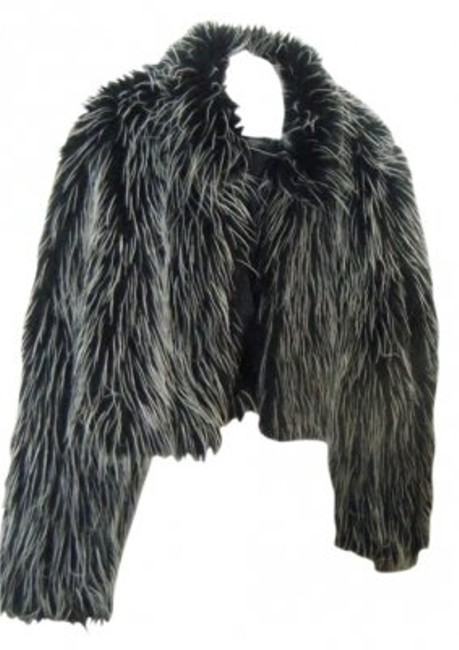 Preload https://item1.tradesy.com/images/bebe-black-and-white-faux-furry-short-jacket-blazer-size-12-l-15005-0-0.jpg?width=400&height=650
