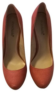 ShoeDazzle Coral Pumps