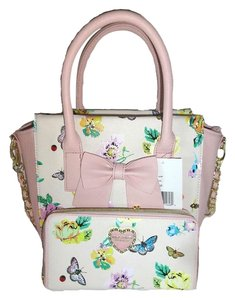 Betsey Johnson Bone Matching Wallet Tote in bone/floral/blush