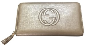 Gucci Wristlet in Gold