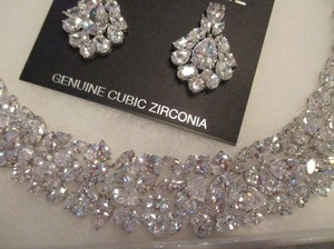 Stunning Hollywood Glamour Couture Crystal Necklace & Earrings Set