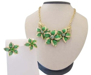 Necklace and Earrings Set Green and Gold Color